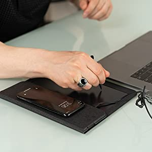 Nomodo Easy Portability 3-in-1 Functionality Qi Fast Wireless Charging Mouse Pad with Digital Notepad
