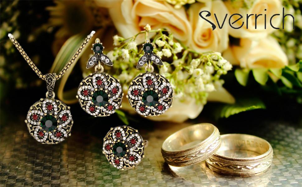 green jewelry set