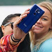 perfect selfies with 13MP front camera