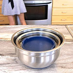 Nesting Bowls and Lids