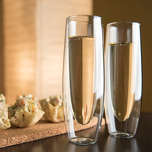 the epar double wall glass stemless champagne flute has a 6 ounce capacity and can be used for cold or hot beverages a design that is practical and