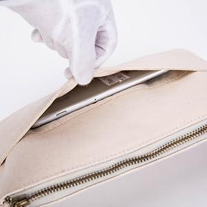 gucci wristlet purse