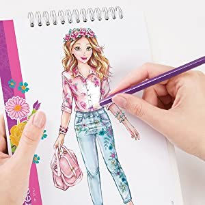Amazon Com Make It Real Fashion Design Sketchbook Blooming