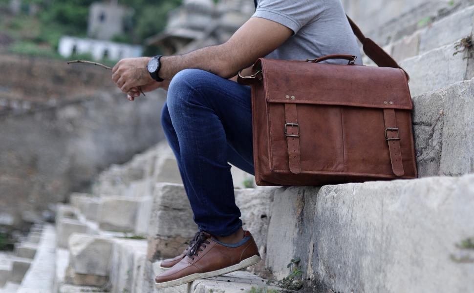 f1b35ef26a Amazon.com  PL Leather Messenger Bag 16