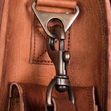 Leather bag 18 dhk messenger laptop