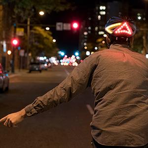 Amazon.com: Lumos casco inteligente para bicicleta con luz ...