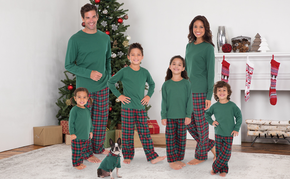 b6a73a9525 Amazon.com  PajamaGram Family Christmas Pajamas Flannel - Christmas ...