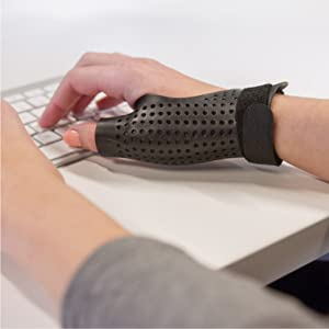 thumb brace that you can type with