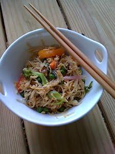 Ramen Pho Soup 4-Pack Noodle Bowls w// Bamboo Chopsticks /& Ceramic Spoon
