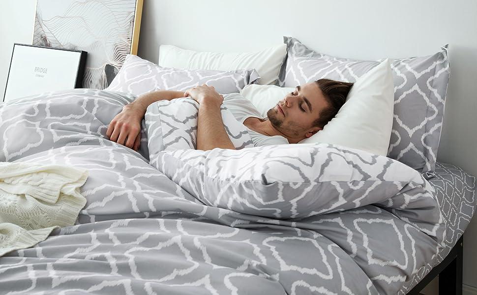 get cozy with Bedsure Bedding Printed Duvet Cover Set - Diamond Plaid Grey