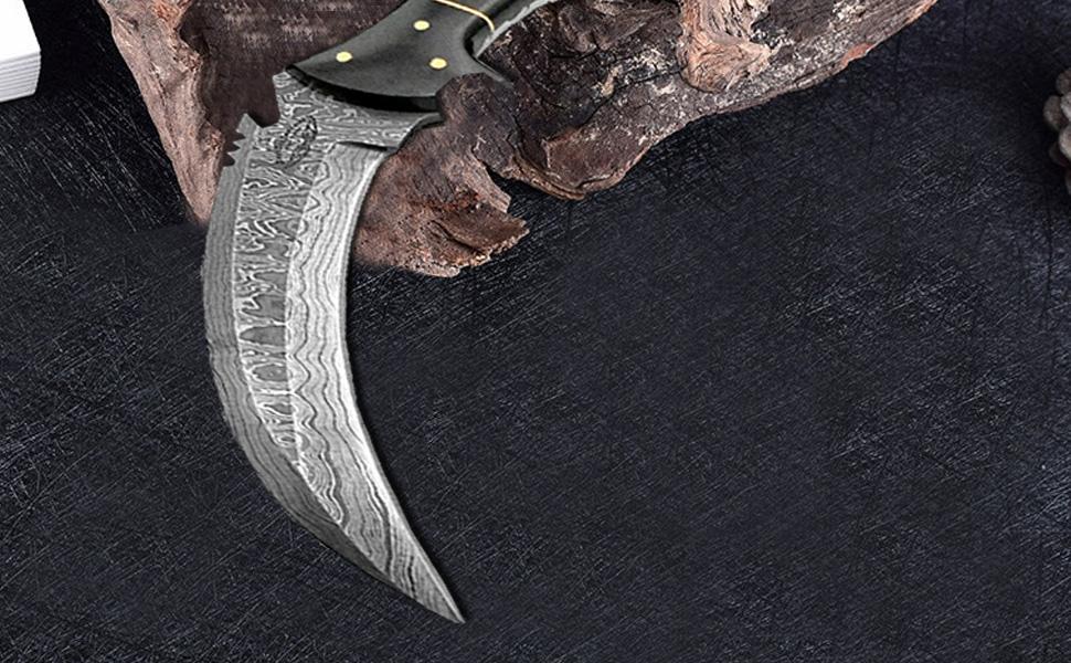Buffalo Horn 8.2'' Fixed Blade Custom Handmade Damascus Steel Hunting Knife