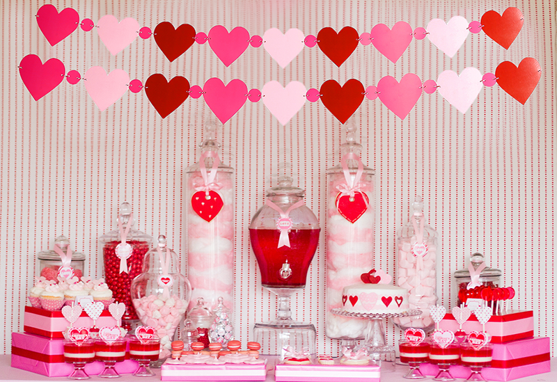 Amazon.com: Valentine\'s Day Love Hearts Banners - Red Pink Garland ...