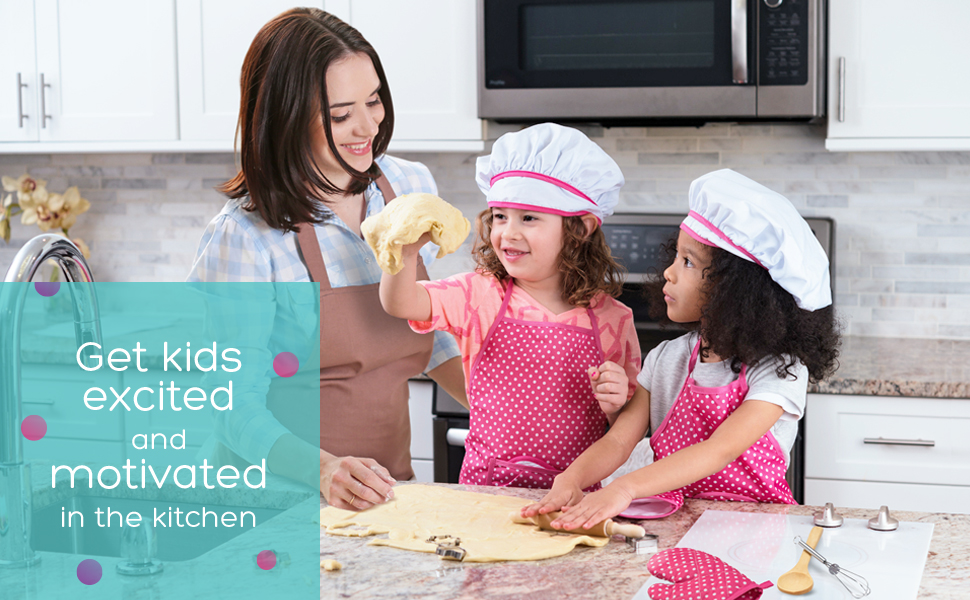 9e84a8202dc The PREMIER CHEF SET includes everything you need for your little one to  start their adventures in the kitchen.The apron and chef hat are adjustable  with a ...