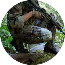 jungle tropic crouch