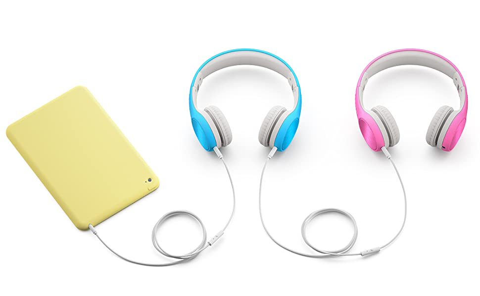 Pink and blue Connect+ STYLE linked together to an iPad with 3.5mm audio cables via SharePort