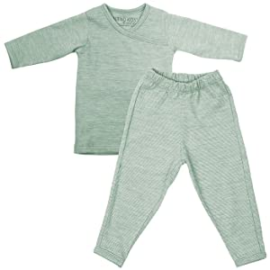 Our 100% superfine merino pajamas are an essential item for layering in the cooler months. It is the perfect layer under your Merino Kids baby sleep bag.