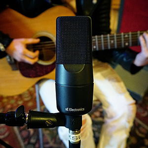 X1 S microphone for guitars