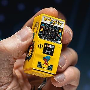 Amazon.com: Pac-Man – Llavero de Arcade: Toys & Games