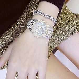 Round Luxury Women Watch
