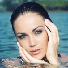 facial cleansing brush - water model skin cleanse