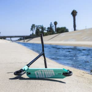Fuzion Z300 Pro Scooter in Teal