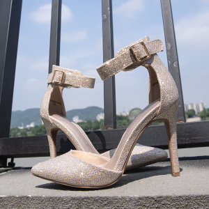 women pointed toe shoes