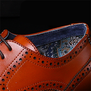 Premium leather lining, comfort latex cushioned footbed.