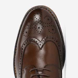 Classic suit shoes with wingtips toe and stitching details for added appeal.