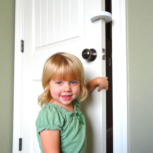Wittle Finger Pinch Guard Makes Baby Proofing Doors Simple  sc 1 st  Amazon.com & Amazon.com : Wittle Finger Pinch Guard - 2pk. Child Proofing Doors ...