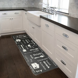 the anti fatigue kitchen rug set used in the kitchen floor