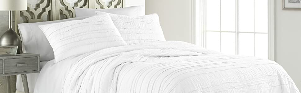 Katy White Quilt Set