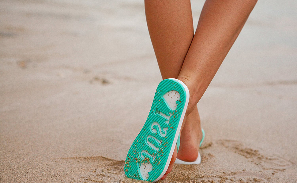 d667d5f2c388 Amazon.com  Just Married Flip Flops (Size 9 10) Stamp   Imprint on ...
