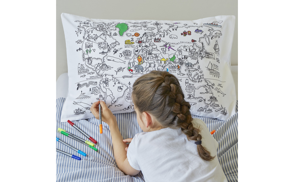 Kids Will Love The Doodle World Map Pillowcase Featuring A Beautiful Ilration Packed Full Of Fun Facts Wild Animals And Exotic Sea Creatures