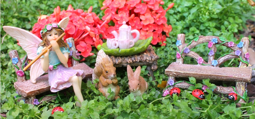 BELLA AND FRIENDS FAIRY GARDEN SET