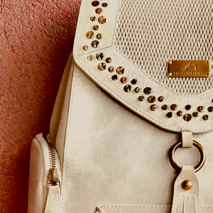 Velez Crossbody Genuine Leather Handbags for Women | Carteras de Mujer en Cuero Colombiano