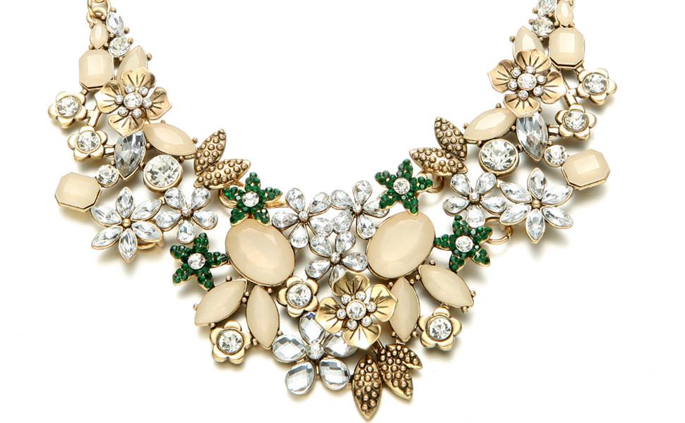 38cb926606efb Amazon.com: Fsmiling Antique Gold Bib Statement Necklace with ...