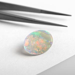 Expertise in gemstones Opal