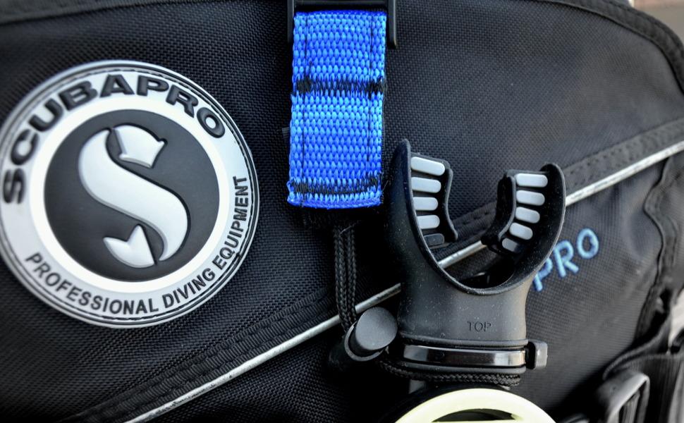 scuba octopus holder regulator clip hose air line retainer dive gear bag keeper set travel