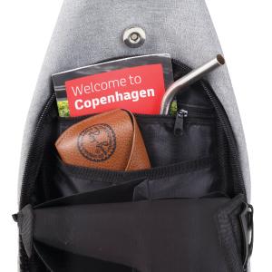 Zippered internal pockets