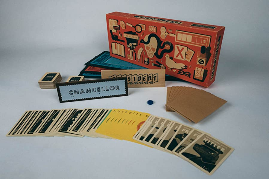 Amazon.com: Secret Hitler: Toys & Games