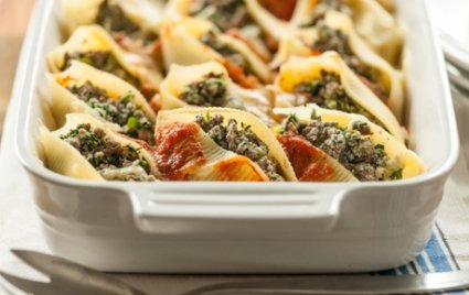 Baked Spinach-and-Beef Stuffed Shells