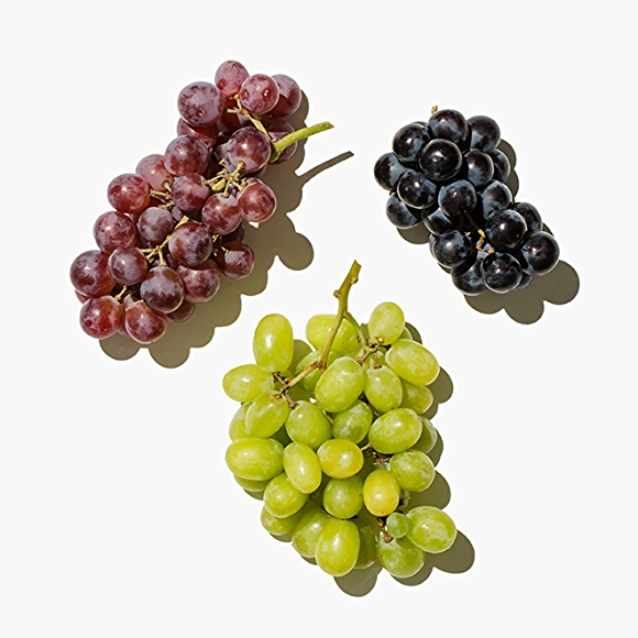 image of grapes on white background