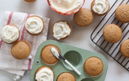 Pumpkin Gingerbread Cupcakes with Pumpkin Spice