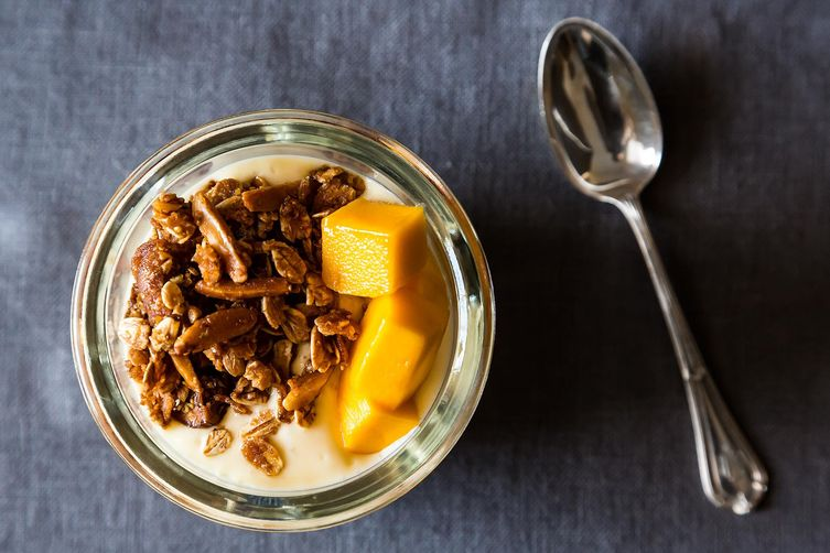 Mango Yogurt with Granola