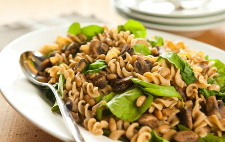 Whole Wheat Pasta with Mushrooms and Arugula