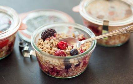 Berry Oatmeal in a Jar