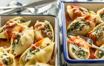 Baked Lentil and Spinach Stuffed Shells