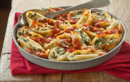 Baked Spinach and Ricotta Stuffed Pasta Shells