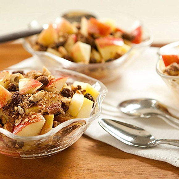 Raw apple crisp recipe with cinnamon and nuts.