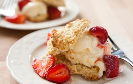 Strawberry Shortcakes with Maple Syrup and Frozen Yogurt